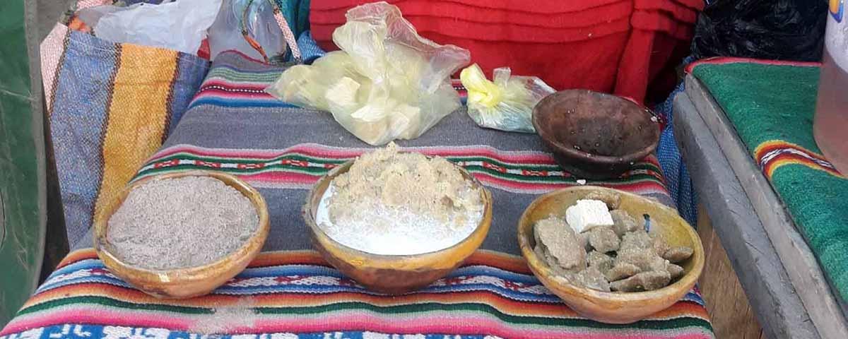 Feria de San Andrés de Machaca muestra el potencial del municipio en ganado camélido, gastronomía, artesanía y danzas autóctonas