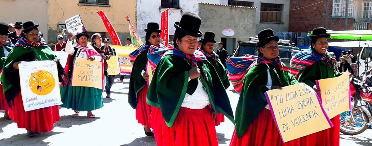 En Taraco la población se moviliza contra la violencia hacia las mujeres