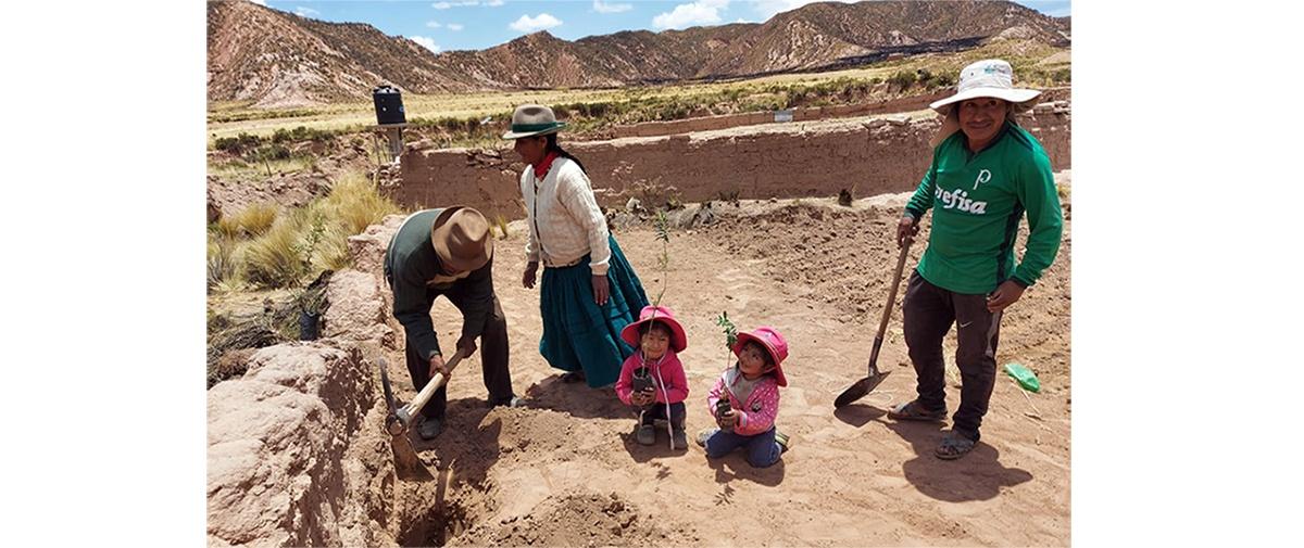 """Campaña de forestación en el municipio San Pedro de Totora """"Plantar arboles y salvar el planeta"""""""