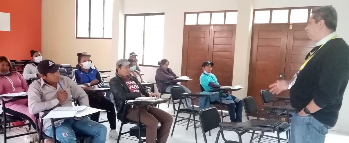Curso de Gestión publica a dirigentes guaraní del Ingre