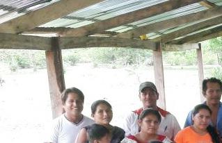 Productores de la Amazonía Sur se capacitan en elaboración de abonos orgánicos y control de plagas ecológico