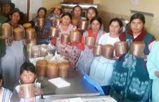 Asociaciones productivas del Altiplano paceño se capacitan elaboración de panetones industriales