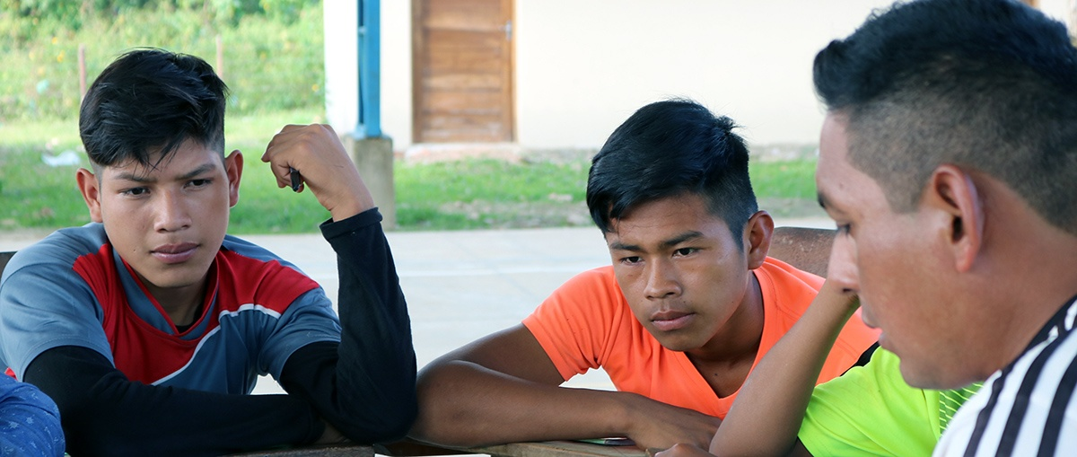 Jóvenes de la Amazonía boliviana en el olvido